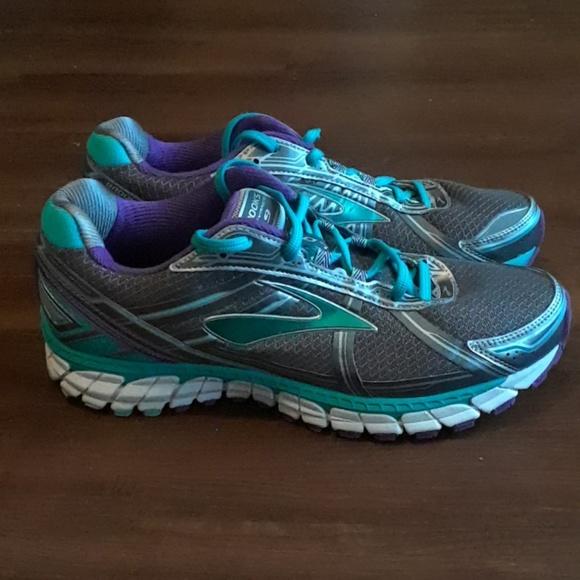 2daf5b57562b6 Brooks Shoes - Brooks Defyance 9 Shoes Women s sz 10.5